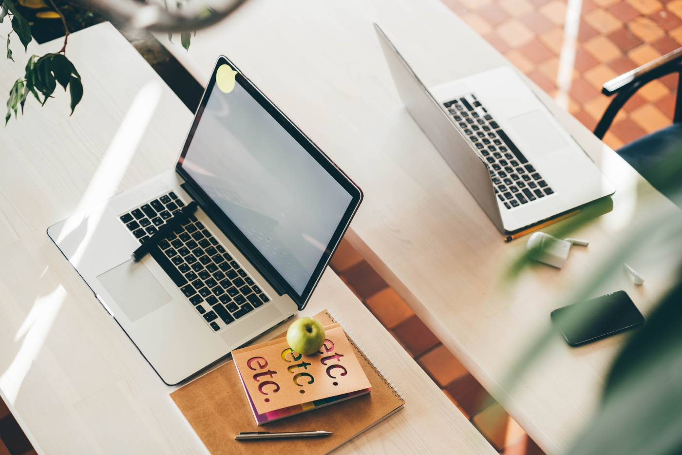 Choosing the Best Text Editor for Academic Writing: Word, LaTeX, or Rich Text?